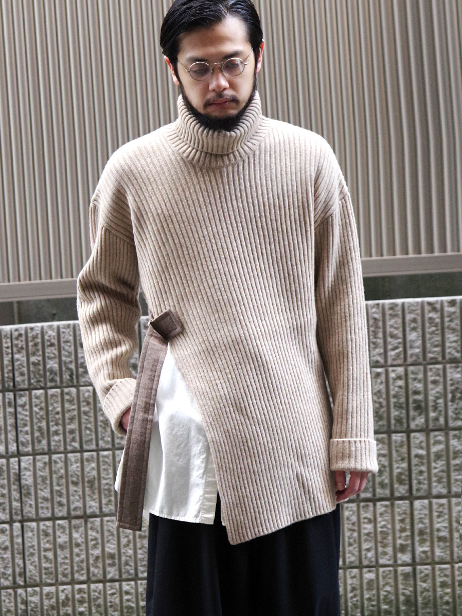 """【20AW】 UJOH (ウジョー)  """"BELTED TURTLE NECK KNIT"""" <ニット>"""