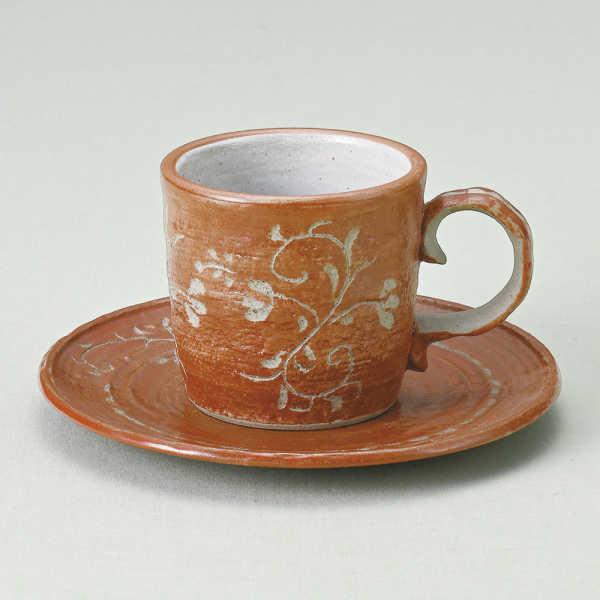 コーヒーカップソーサー 唐草彫 赤