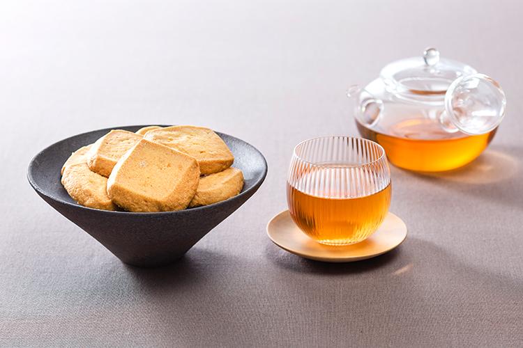 【ギフト】淡路島 塩サブレとびわ茶(ティーバッグ)セット