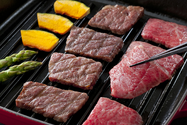 【通販】淡路ビーフ|神戸ビーフの素牛(もとうし)淡路牛の最高ブランド 淡路ビーフ 焼き肉セット(500g)藻塩付き