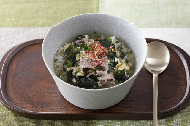 淡路島産フライドオニオン入り がごめ昆布とわかめスープ