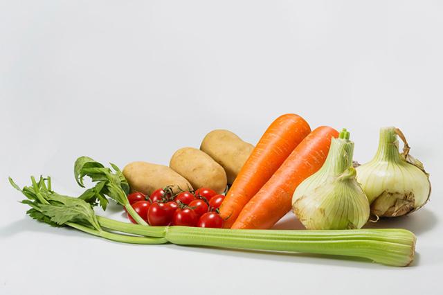 淡路島の市場からその日届いた「春の野菜」【食べきりセット】※淡路島産玉ねぎ入り