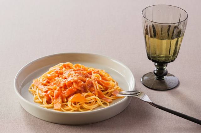 島の風土が練り上げた生パスタ「スパゲッティ」&「トマトソース」