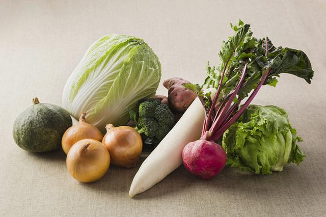 淡路島の市場からその日届いた「冬の野菜」を食べるセット