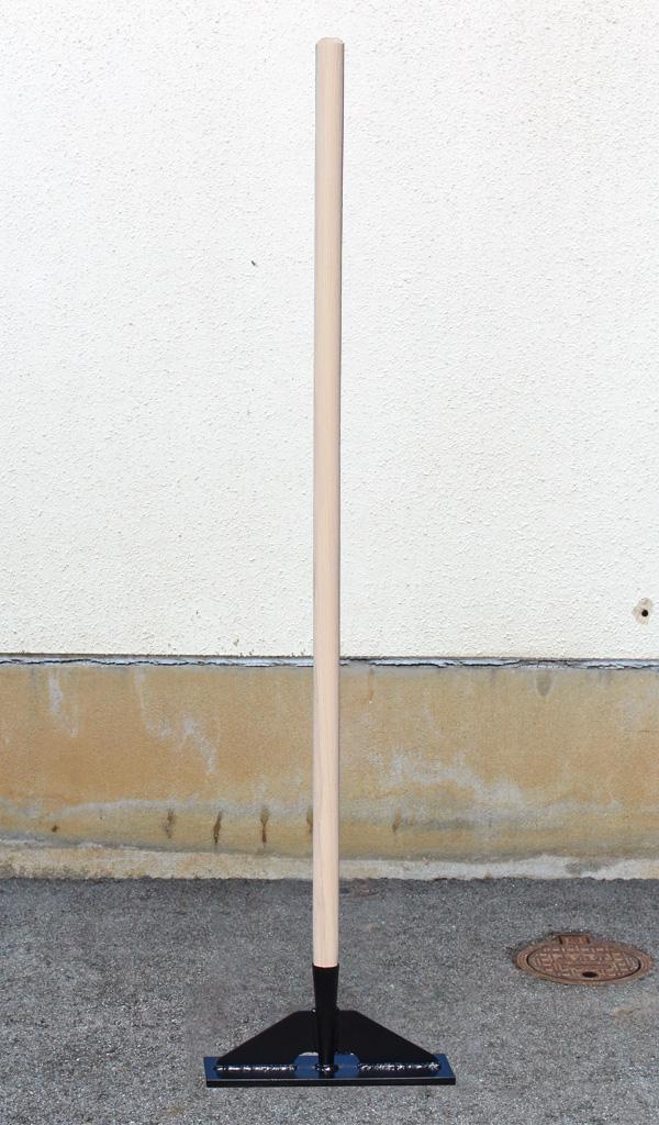 足で踏んで転圧しやすい! 舗装用木柄タンパ ワイドタイプ