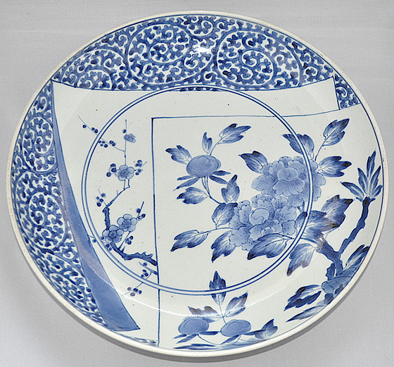 蛸唐草、牡丹、梅図尺皿