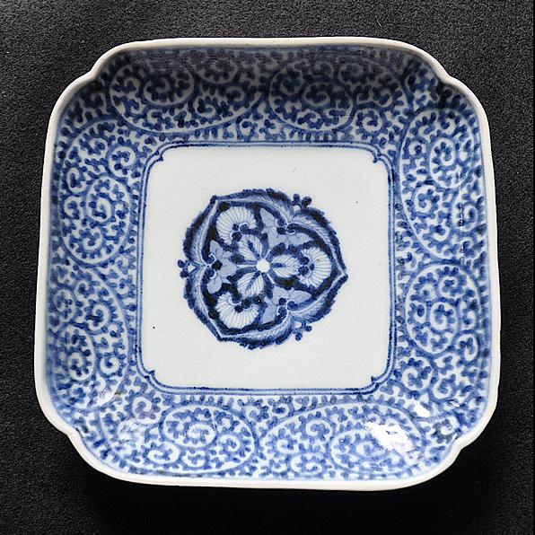蛸唐草四方型皿