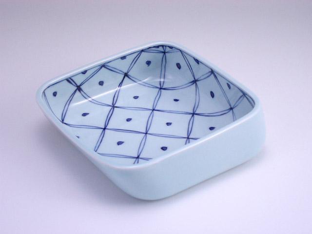 有田焼 青花 七宝地紋すくい易い鉢