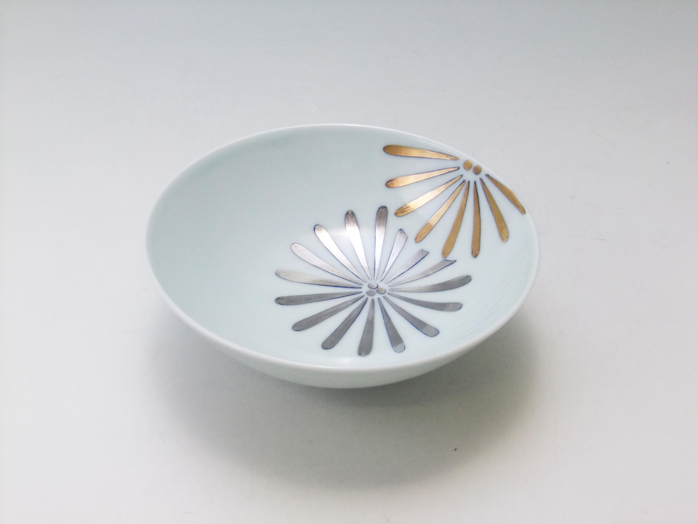 金彩松文4.6寸平飯碗 青花 匠