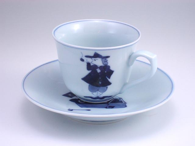 三人異人百合型コーヒー碗皿 しん窯 青花