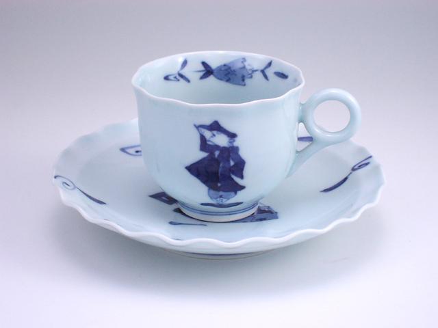 二人異人輪花コーヒー碗皿 しん窯 青花
