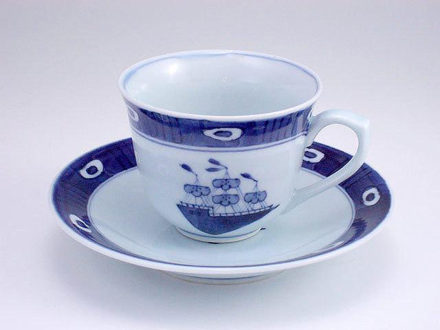 有田焼 青花 渕濃帆船百合型コーヒー碗皿