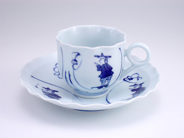 有田焼 青花 間取異人輪花コーヒー碗皿