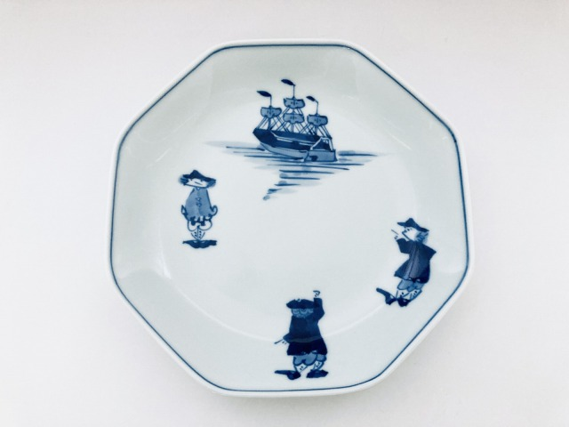 三人異人と帆船 正八角7寸皿 しん窯青花