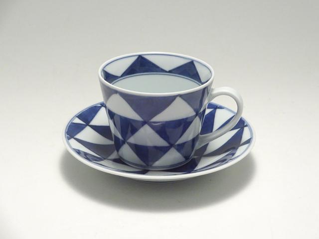 そば型コーヒー碗皿 UROKO しん窯 青花