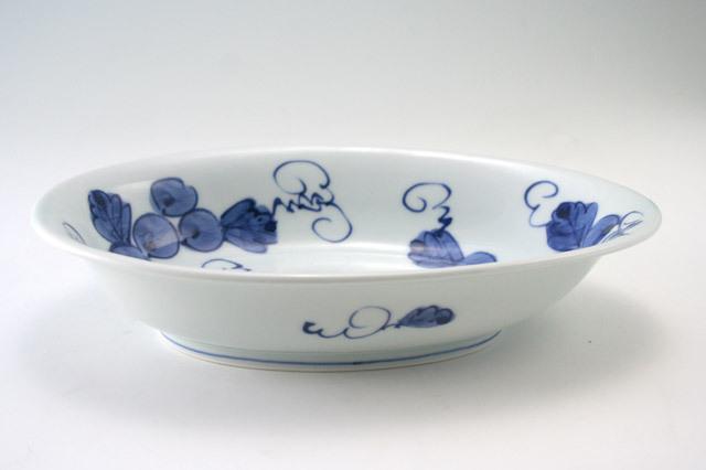 有田焼 青花 ぶどう絵たまご型カレー皿