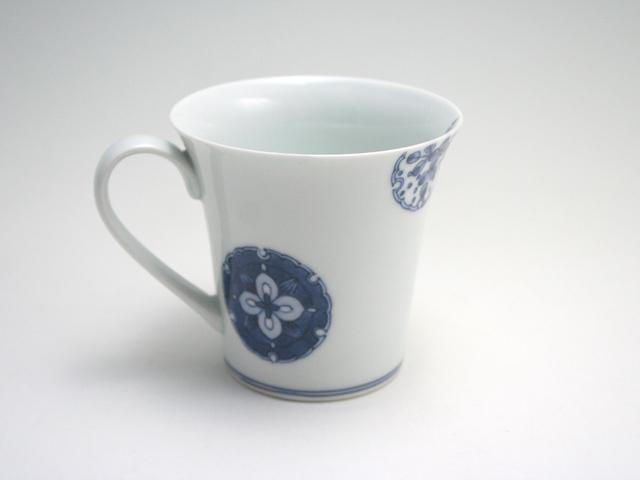 有田焼 青花匠 雪輪花紋反マグカップ