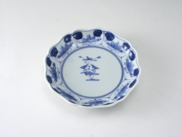 有田焼 青花 花と人形八方割5寸多用鉢