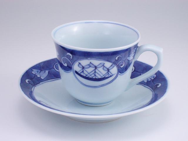濃唐草帆船百合型コーヒー碗皿 しん窯 青花