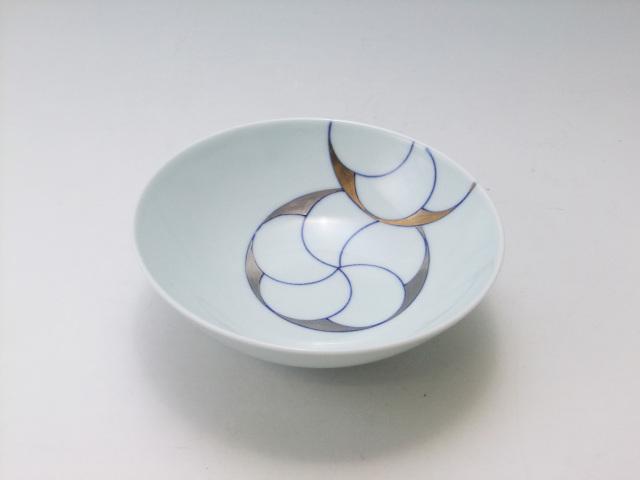 金彩梅文4.6寸平飯碗 青花 匠