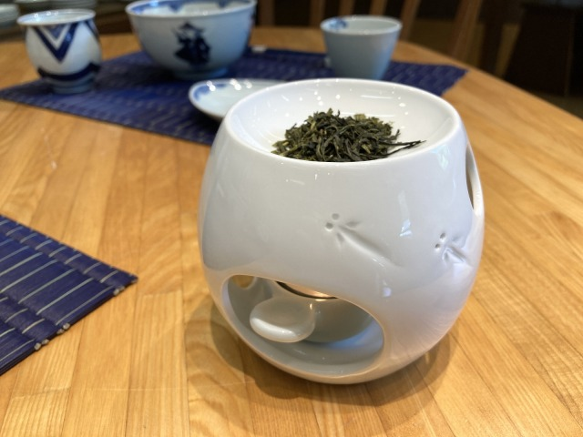 MEDAKA茶香炉 しん窯青花匠