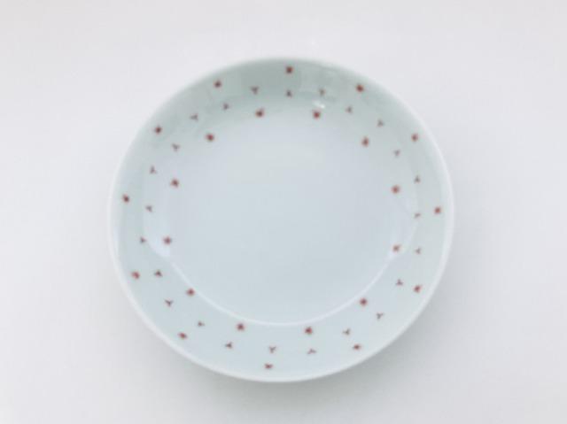 (朱)くずし麻の葉反5寸皿 しん窯青花匠 限定商品