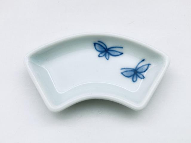 蝶々扇型箸置き しん窯青花匠