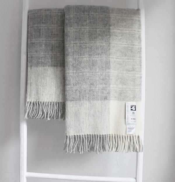 可愛いおしゃれな毛布のシルケボーウールブランケット北欧テイストのひざ掛けチェック柄インテリアシーン