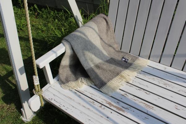可愛いおしゃれな毛布のシルケボーウールブランケット北欧テイストのひざ掛けインテリアイメージ
