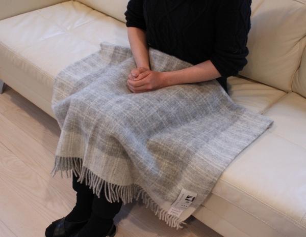 可愛いおしゃれな毛布のシルケボーウールブランケット北欧テイストのひざ掛けシーン
