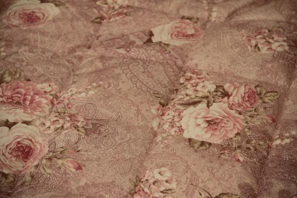 京都西川の三層式の敷布団日本製花柄シングルサイズ100×210cmのソラーレ硬めタイプの敷布団ピンク生地アップ
