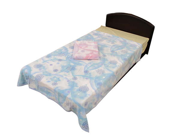 京都西川の綿100%洗えるタオルケットシングルサイズ140×190cm水仙柄の全体イメージ