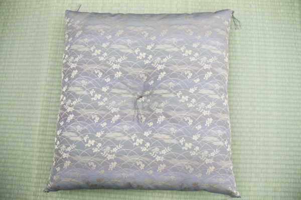 贈り物にも最適!日本製座布団 1枚1枚手作りです