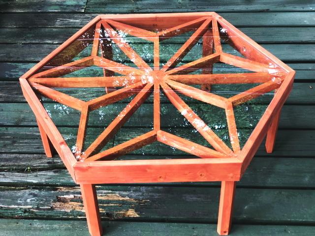 「麻の葉模様 ガラステーブル」 ~現代文化と伝統文化の融合による新たなライフスタイルを提案~