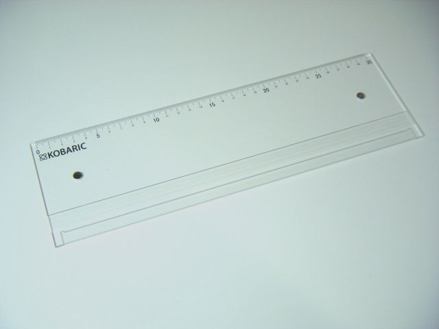 ラクラクA4三つ折り!A4用紙を定型封筒に入れる際の三つ折り作業の補助【紙折り定規】