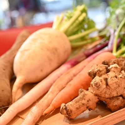『変わり種の彩り天ぷら』 天ぷら料理に使える5種類の野菜 『変わり種を使って天ぷらマスターになろう!』 【天ぷらセット】 冬のお野菜特集!季節限定のセットです。