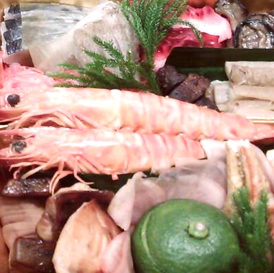 割烹で培った伝統的な和食の味とオランダで学んだ創作感溢れる美しい料理の世界。西天満「割烹くぼた」より手作り究極おせち登場!