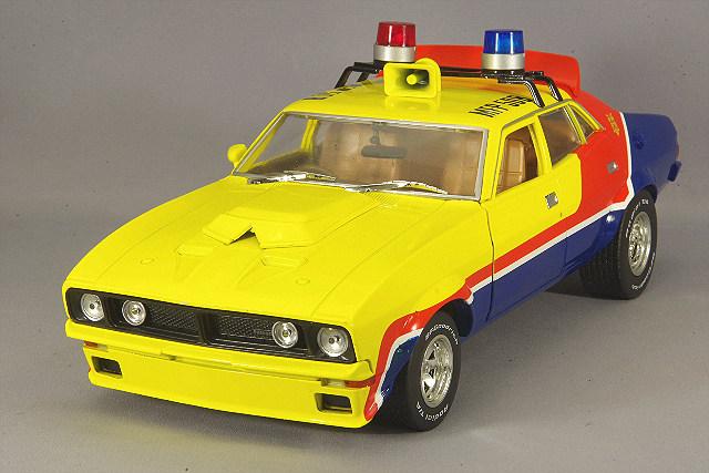 """【予約品】 グリーンライト 1/18 1974 フォード ファルコン XB 4ドア セダン M.F.P. """"マッドマックス First of the V8 Interceptors (1979)"""""""