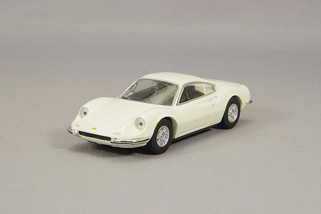 【予約品】 トミカリミテッドヴィンテージ 1/64 フェラーリ ディーノ 246gt 白