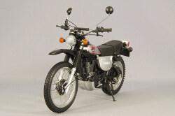 予約品】 ミニチャンプス 1/12 ヤマハ XT 500 1988 ブラック