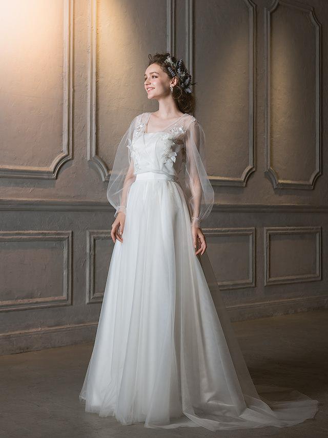 ウェディングドレス 長袖 パフスリーブのウェディングドレス 3Dフラワーモチーフ 2WAY