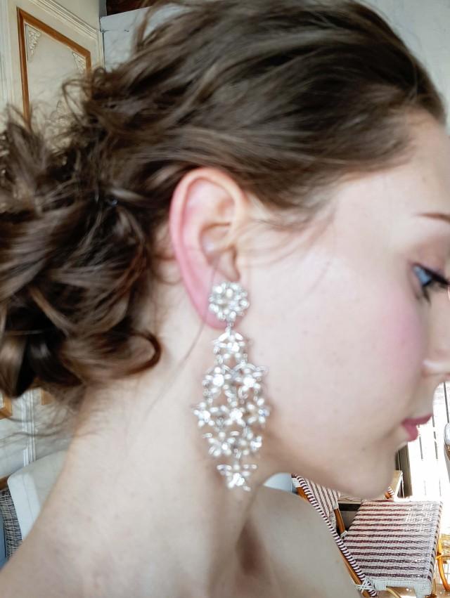 Elizabethbower淡水パールのスワロフスキークリスタルのイヤリング