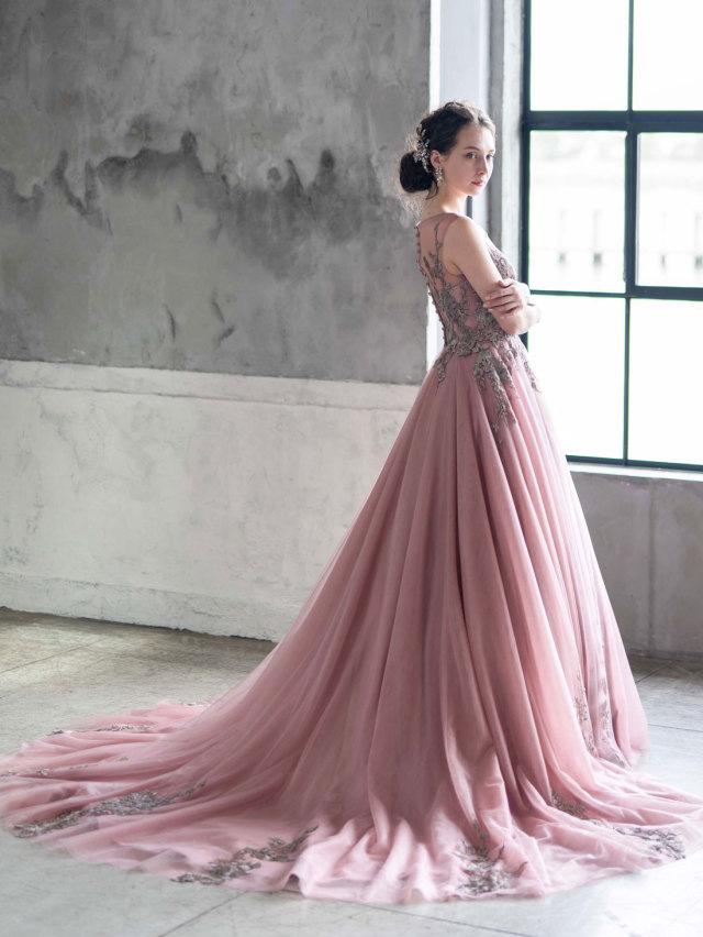 カラードレス グレイッシュピンク ノースリーブ ブラウン刺繍