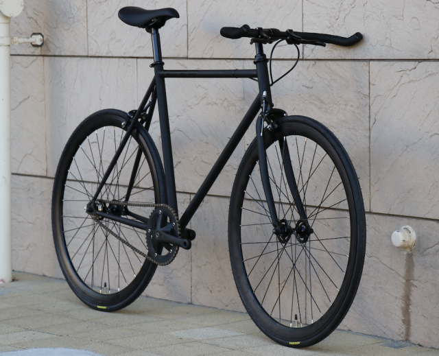 【CARTELBIKES カーテルバイク】 AVENUE BLACK BULLHORN 完成車