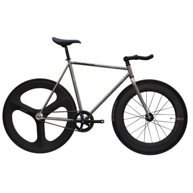 【CARTELBIKES カーテルバイク】 AVENUE LO CHROME DINER FRONT 88mm REAR 3SPOKE CARBON WHEEL  カスタム完成車