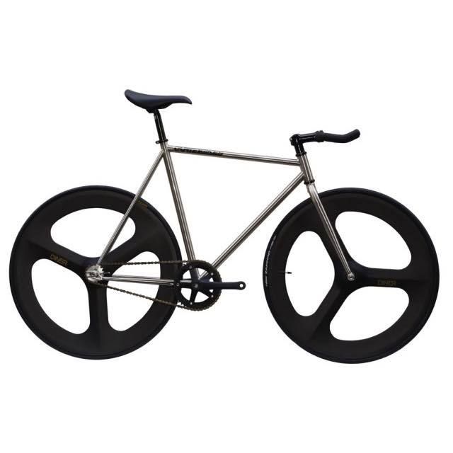 【CARTELBIKES カーテルバイク】 AVENUE LO CHROME DINER FRONT&REAR 3SPOKE CARBON WHEEL  カスタム完成車
