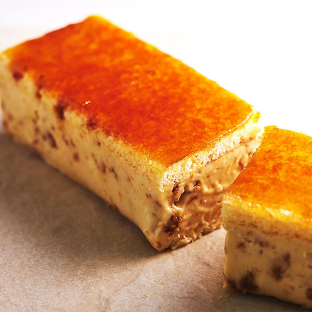 セミフレッドケーキ