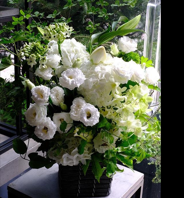 お供え花ホワイトグリーン