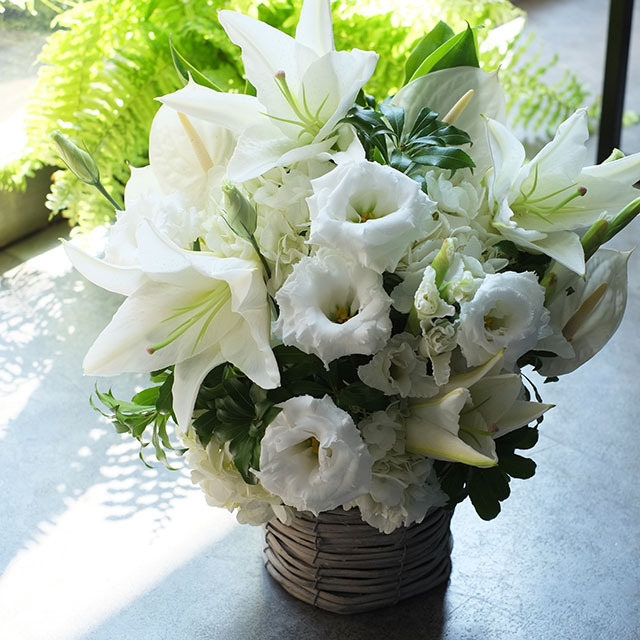 バスケット お悔やみの花 お供えの花 季節花おまかせ 10,000円 1529056