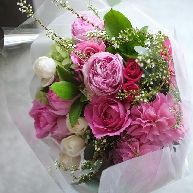 ピンク色の花束